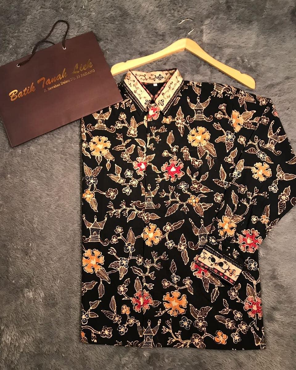 Kemeja Dari Batik Tulis: Kain Batik Khas Minangkabau